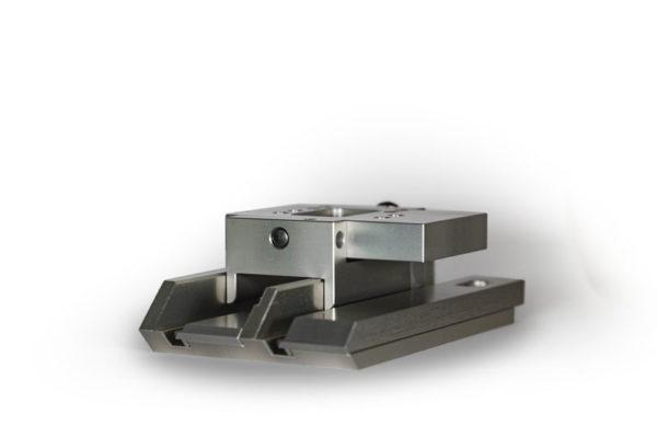 Glasleistenzulagen mit Pendeldruckplatte